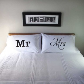 Pillowcase Set Mr & Mrs