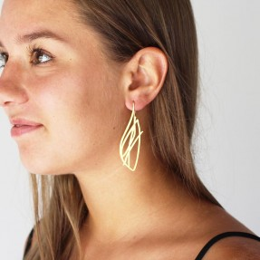 Earring Flight Gold by Insync worn