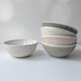 Bowls Colour: Light Speckle Green Grey, Creamy White Speckle Dusty Speckled Pink and Light Speckle Green Grey